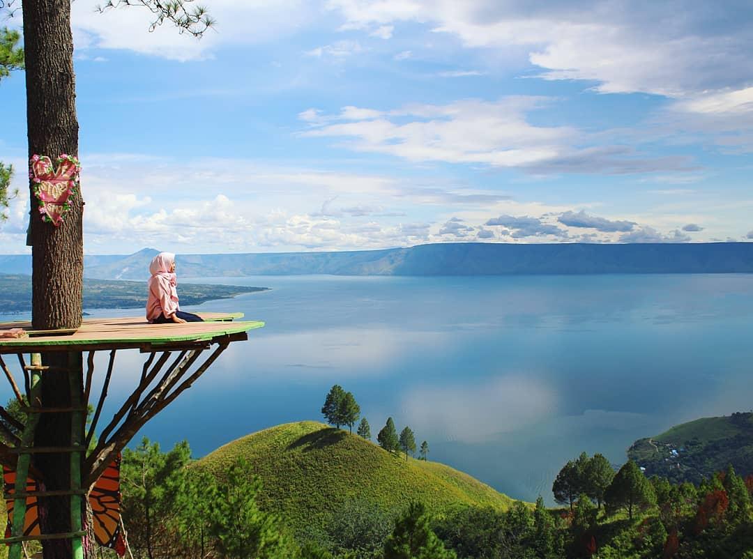 Referensi Tempat Wisata di Indonesia | Bukit Simarjarunjung