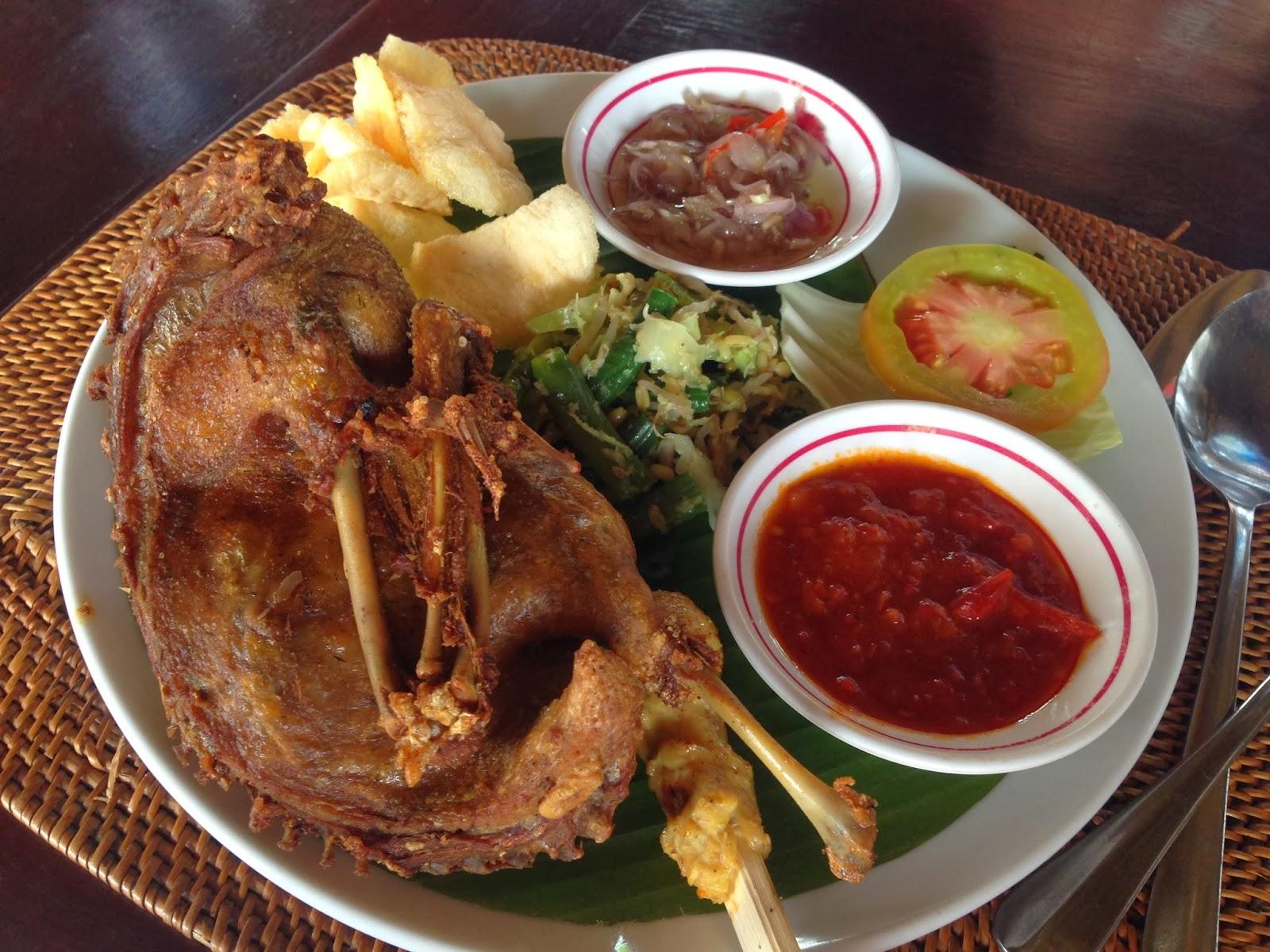 Referensi dan Rekomendasi Tempat Wisata di Indonesia: Tempat Makan di Kuta Bali (Bebek Tepi Sawah Kuta)