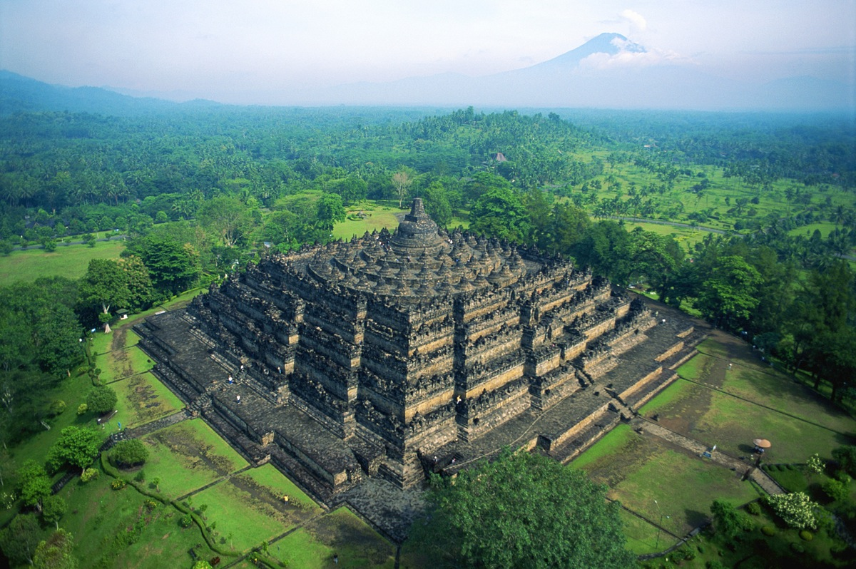 Referensi dan Rekomendasi Tempat Wisata di Indonesia: Candi Borobudur