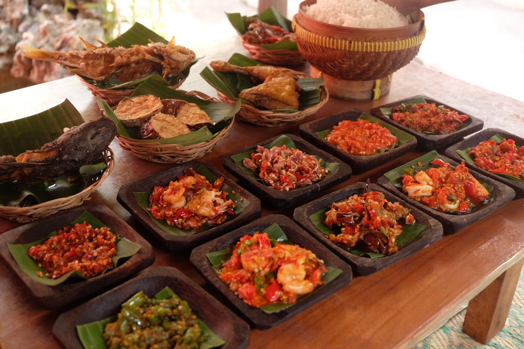 Referensi dan Rekomendasi Tempat Wisata di Indonesia: Tempat Makan di Kuta Bali (Warung Nikmat)