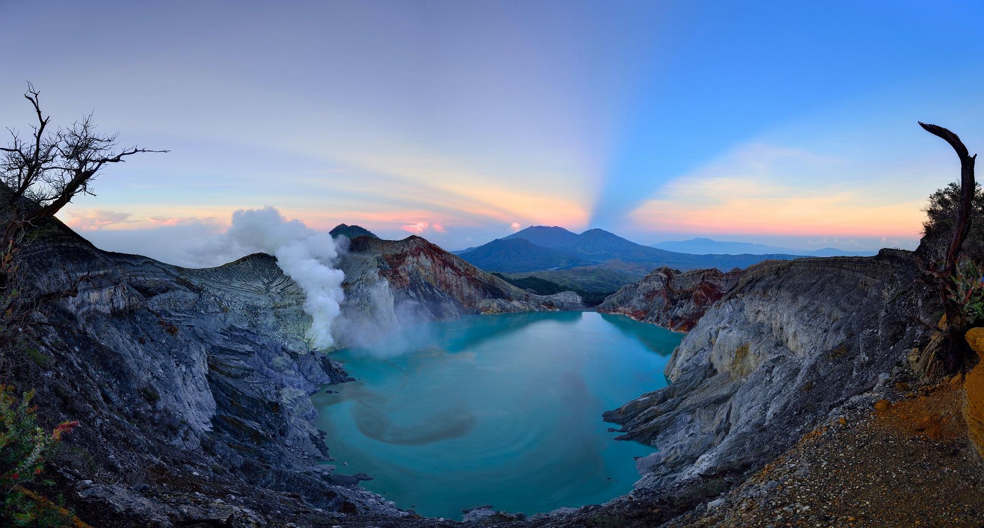 Referensi dan Rekomendasi Tempat Wisata di Indonesia: Wisata Kawah Ijen