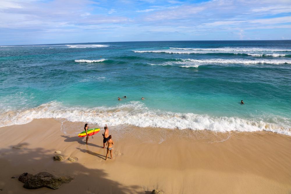 Referensi Tempat Wisata Pantai di Bali: Daya Tarik Pantai Green Bowl Ungasan