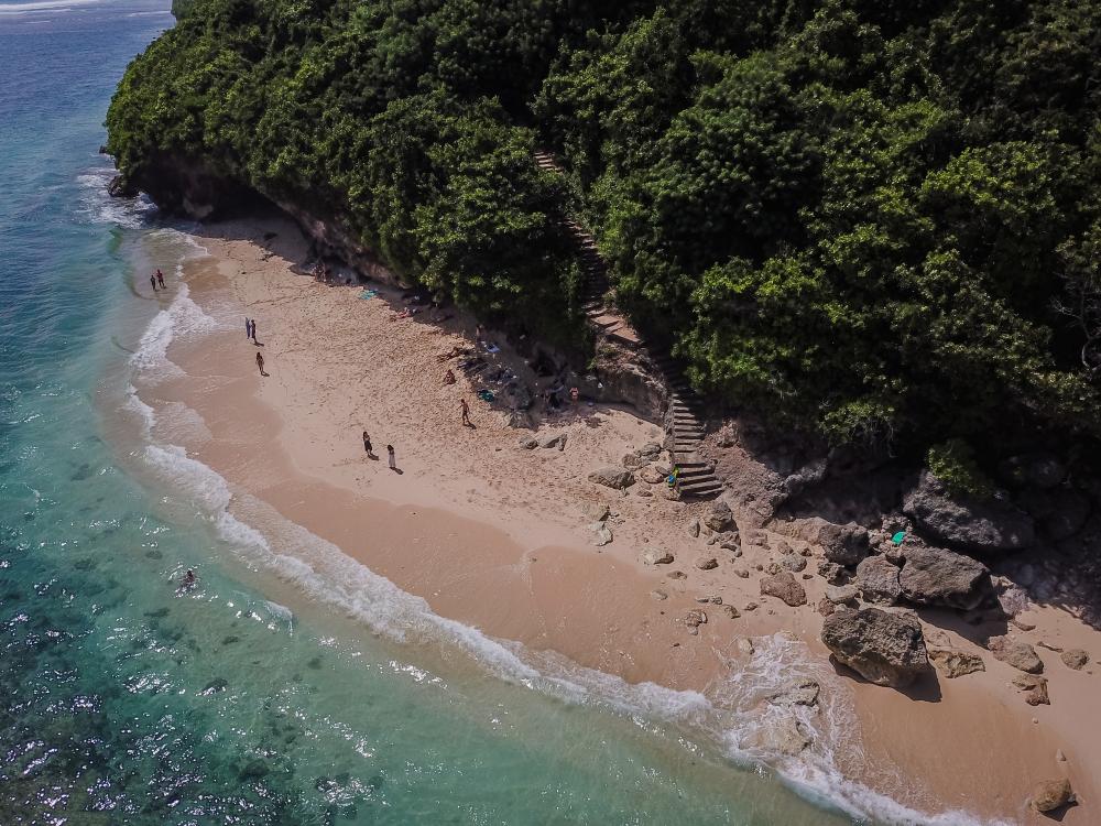 Referensi Tempat Wisata Pantai di Bali: Pantai di Bali masih sepi pengunjung