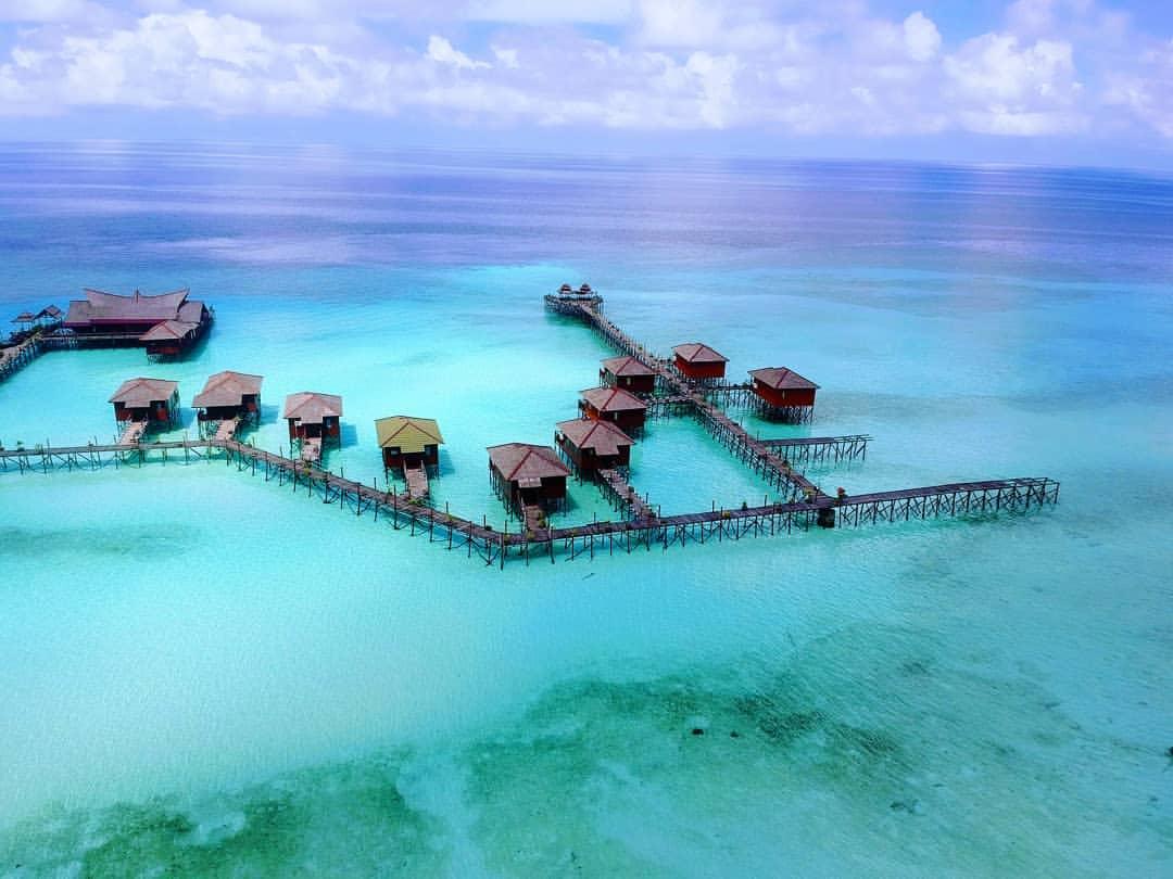 Referensi Tempat Wisata di Indonesia | Pesona Pulau Derawan