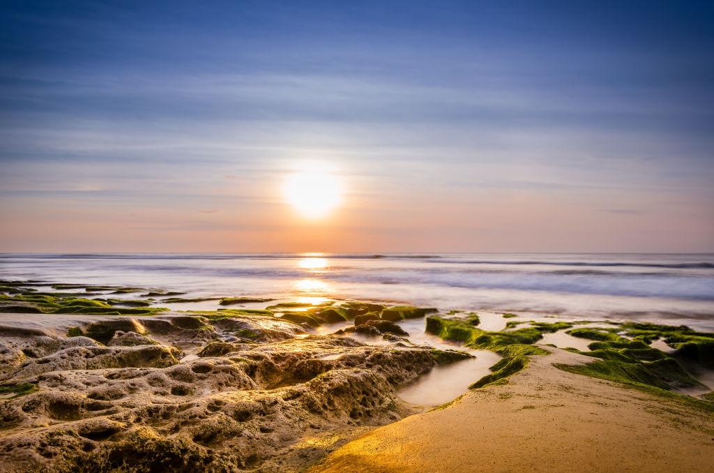 Referensi Tempat Wisata di Indonesia | Sunset di Pantai Balangan Bali