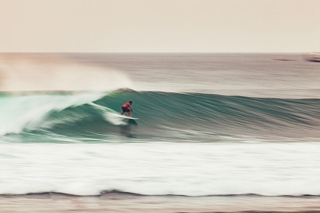 Referensi Tempat Wisata di Indonesia | Surfing di Pantai Balangan Bali