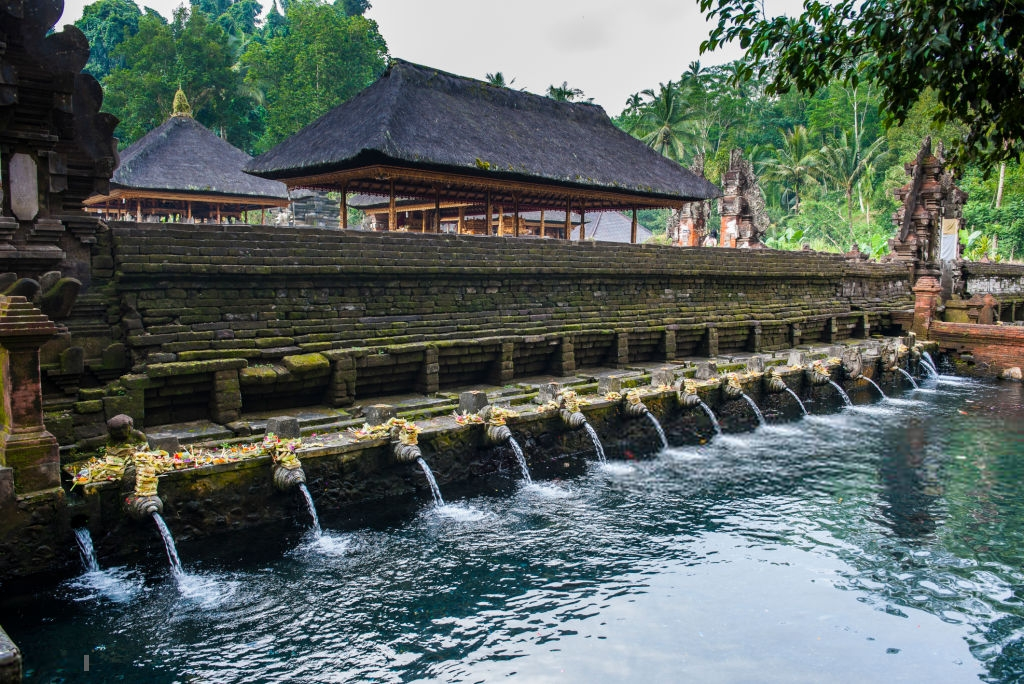 Referensi Tempat Wisata di Indonesia | Tempat Wisata di Ubud Bali: Tirta Empul