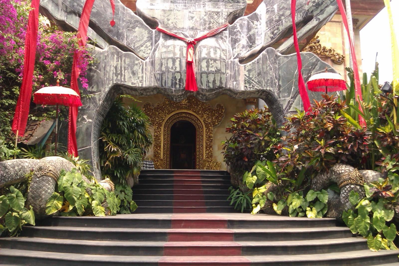 Referensi Tempat Wisata di Indonesia | Tempat Wisata di Ubud Bali: Museum Blanco Renaissance