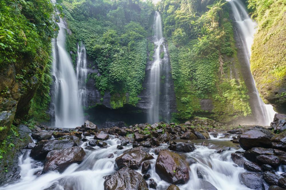 Tempat Wisata Air Terjun Sekumpul Bali
