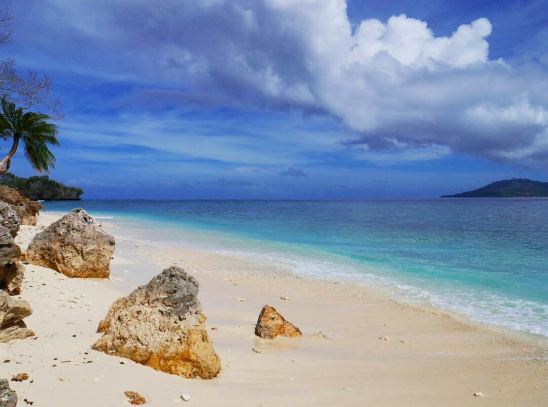 Pantai Paal Likupang